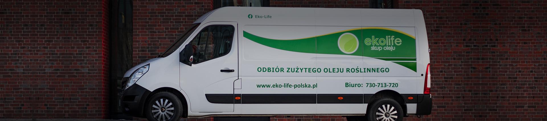 biały bus